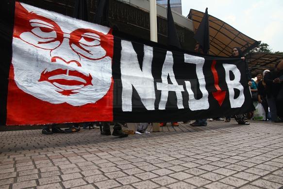 KITA_LAWAN_protest-Najib_banner-sogo-280215-TMI-SETH
